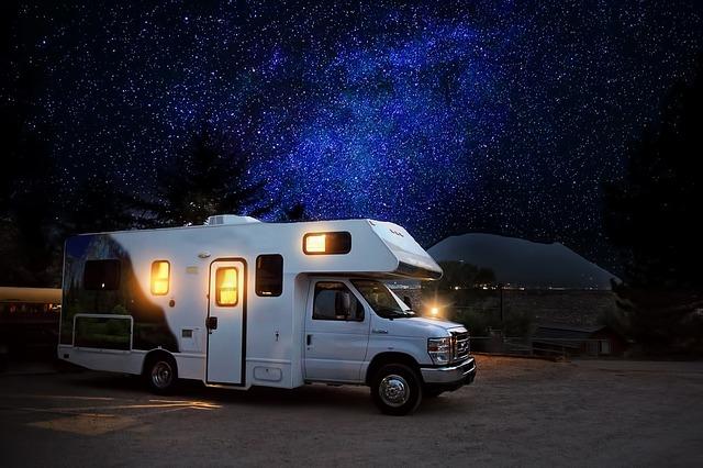 nocování v karavanu