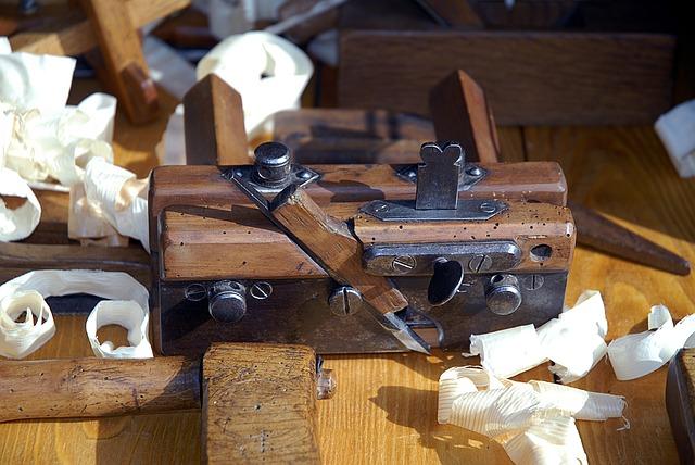 hoblík, práce se dřevem